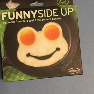 New in box Funny Side Up Egg Shaper - Frog